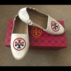 bd341cf0bf6 Tory Burch Shoes - Authentic Tory Burch Darien Loafer Size 6